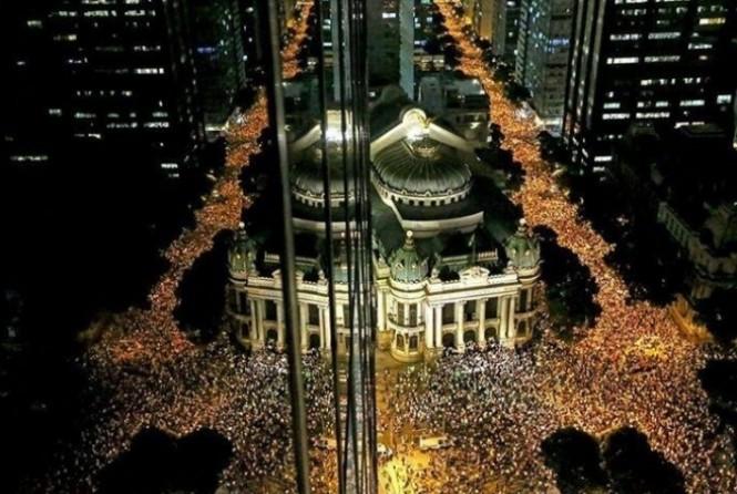 Milhares nas ruas na 'primavera' brasuca